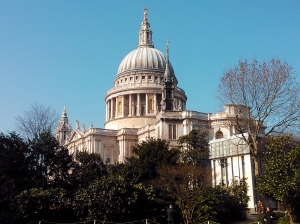 St Paul's shot on my current phone (a Nokia Lumia 800). It was a beautiful day, when I was walking to the office, and I had my phone on me at the time.